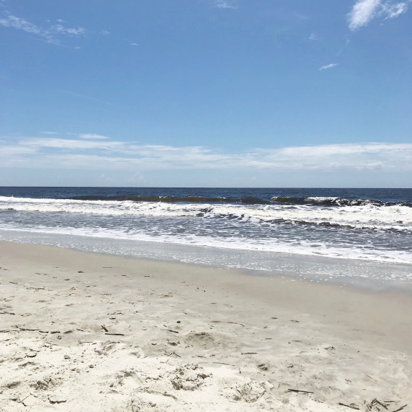 travel nc, southport north carolina, oak island, north carolina blogger, best beaches in nc, style on a budget