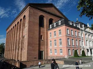 A basílica e o Palácio do Príncipe-Eleitor de Trier