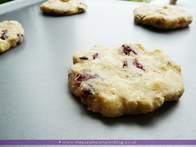 White Chocolate & Cranberry Cookies | The Purple Pumpkin Blog