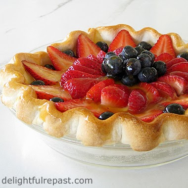 Berry Cream Pie / www.delightfulrepast.com
