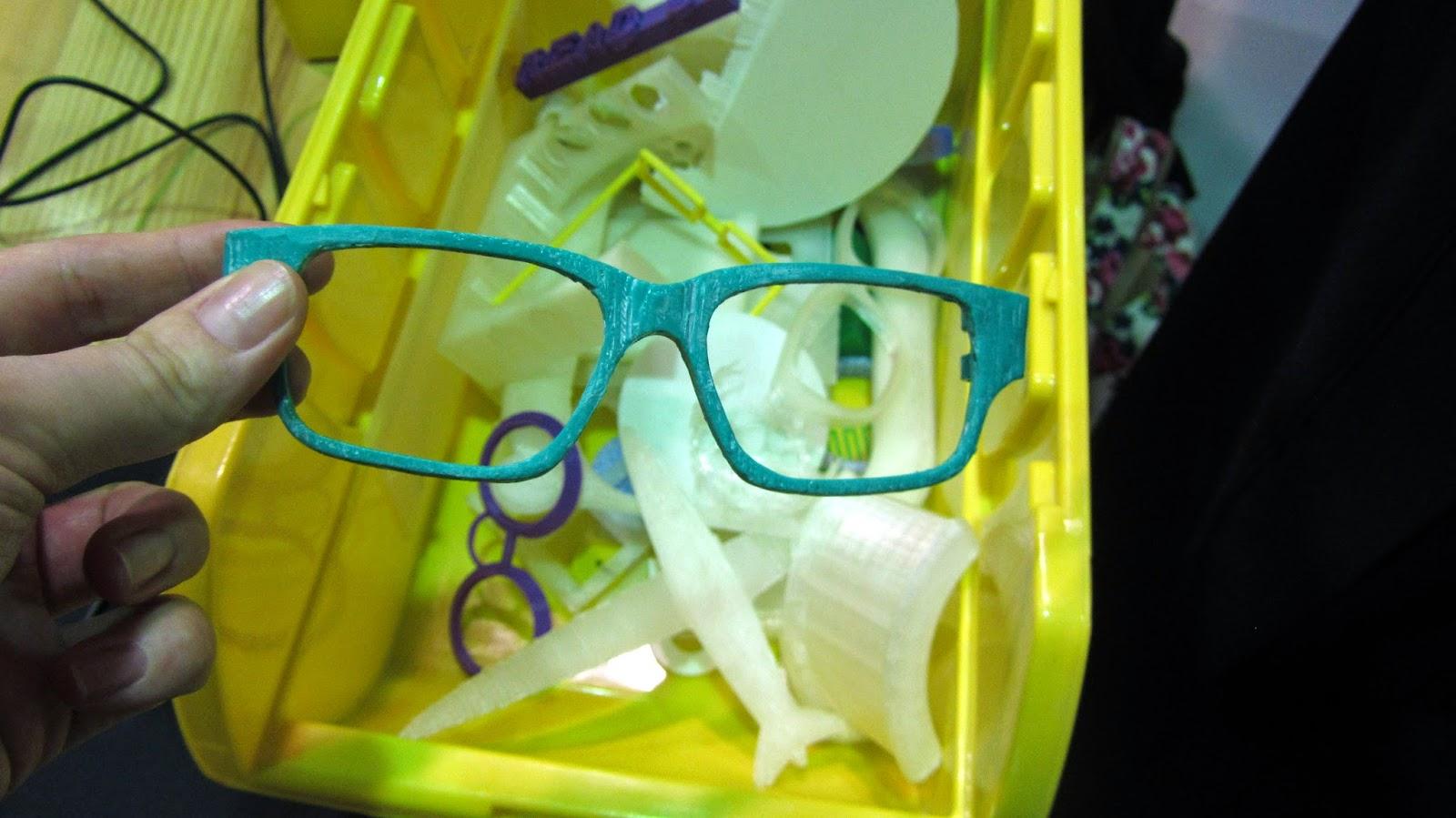 3D glasses FABLAB KFUPM Dhahran Saudi Araiba blogging