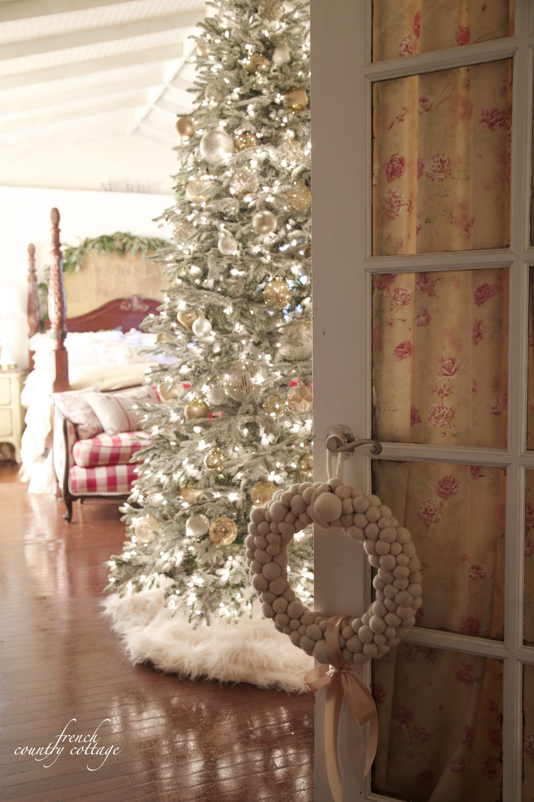 french country cottage christmas home holiday decorating bedroom - French Country Christmas Decor