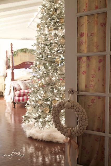 French Country Cottage Christmas Home Holiday Decorating bedroom