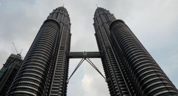 Wisata Malaysia menara Petronas twin towers KLCC