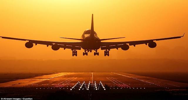 شاهد هبوط طائرة سعودية اضطراريًا و السبب راكبة مصرية