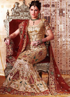 Indian-designer-bridal-lehenga-saree-fashion-trends-for-girls-11