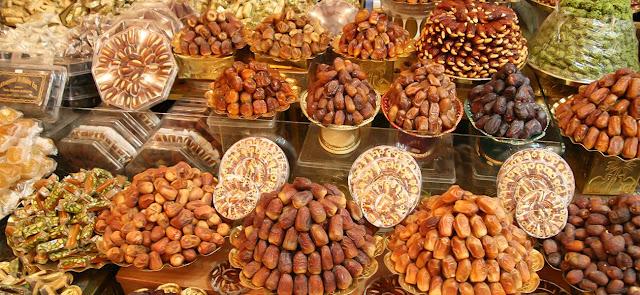 فوائد تناول التمر في رمضان للجسم
