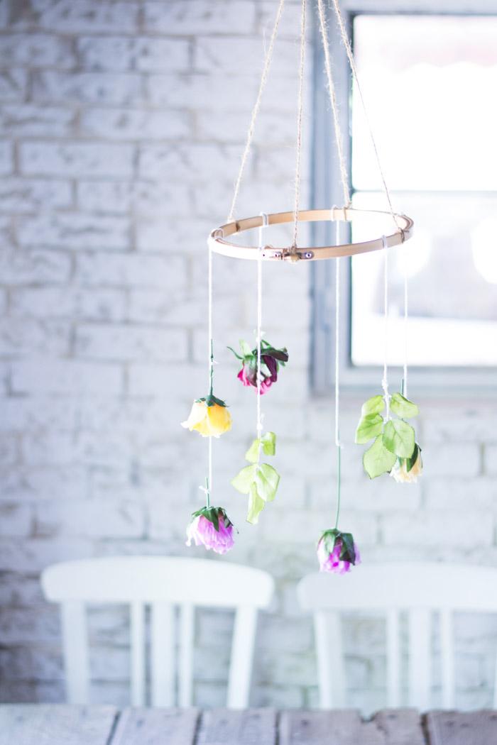 Móvil decorativo flores