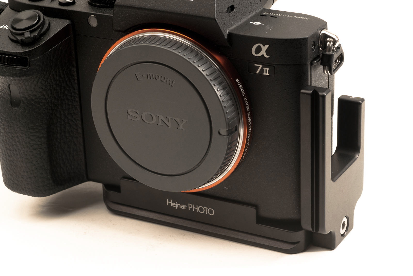 Hejnar PHOTO S-A-7II L Bracket on SONY a7II - front ridge detail
