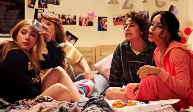 Jess (Scarlett Johansson), Alice (Jillian Bell), Frankie (Ilana Glazer), et Blair (Zoë Kravitz) dans Pire soirée