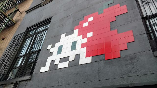 Вуличне мистецтво Нью-Йорку. Жучок (Street Art. NYC. Bug)