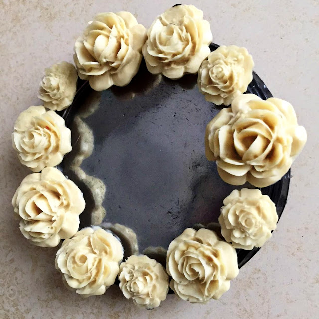 Small Vintage Mirror by Ombretta Fusco using BoBunny Down by The Sea and Pentart Ivory Resin and Mirror Mist
