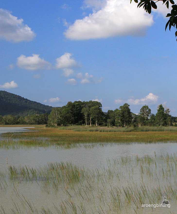 danau mempayak belitung timur