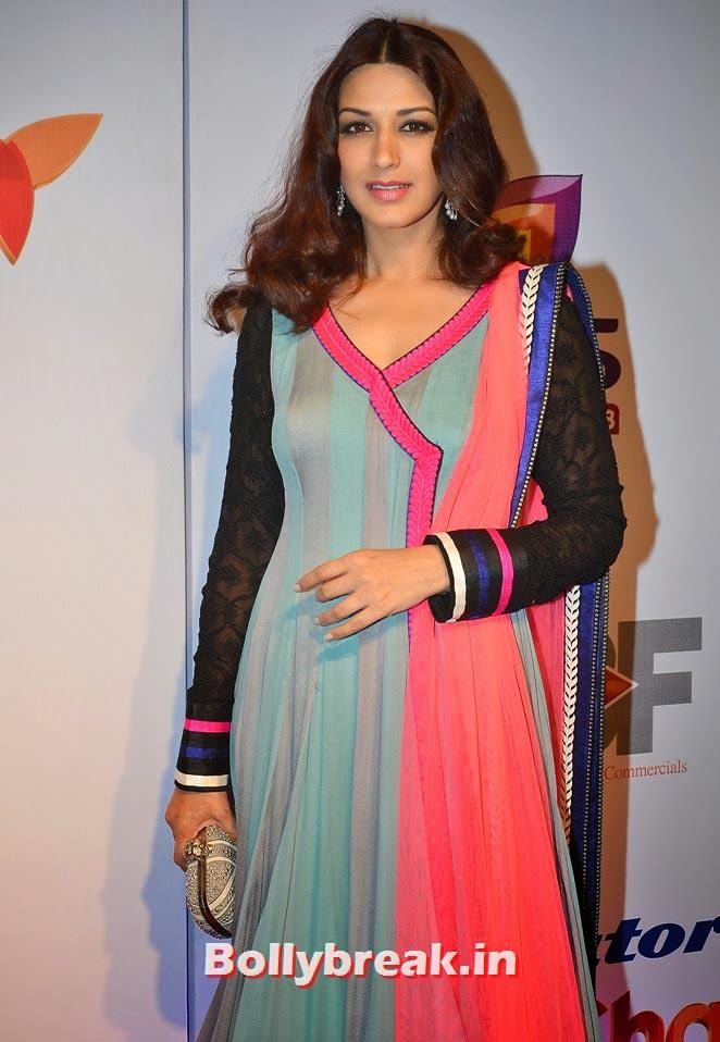 Sonali Bendre, Madhuri, Alia, Kajol at Stree Shakti awards