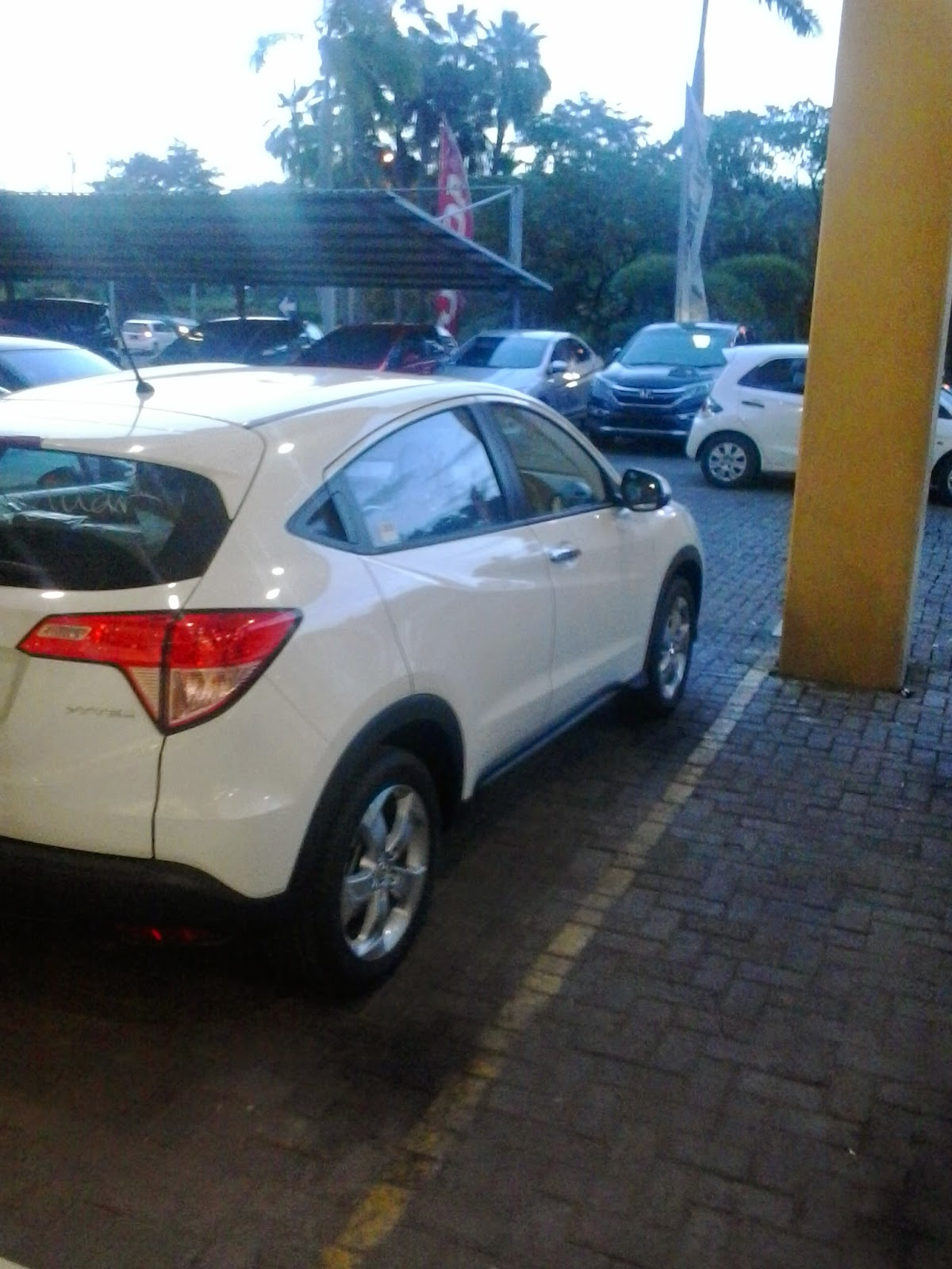 Honda Tambun Utara - Dealer Mobil Honda Tambun Utara