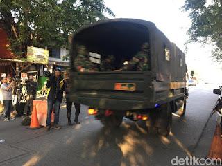 2 Kendaraan TNI AD Hanya Lewat, Tak Masuk ke Mako Brimob