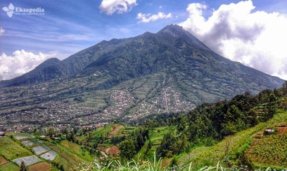 Gunung Merapi Dari Gancik Hill Top