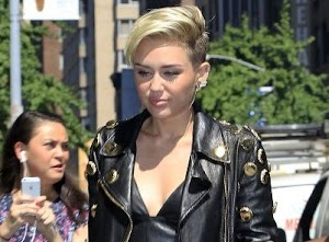 Miley Cyrus : punk princess new outlet!