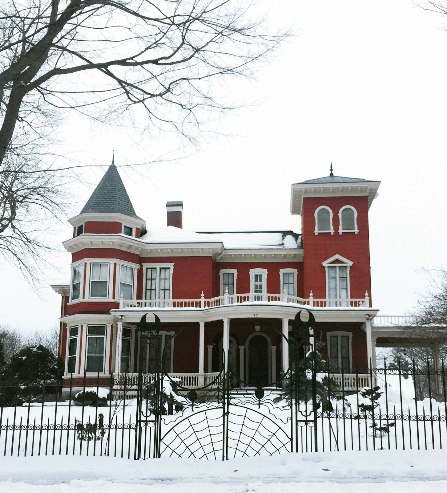 stephen king's house bangor maine