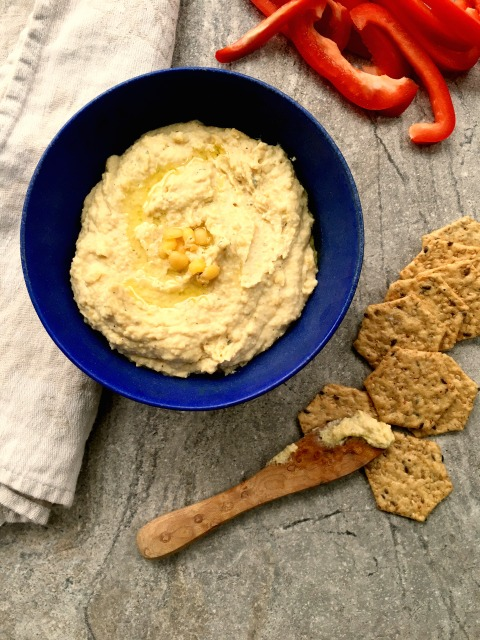 Yellow split pea dip has a lovely flavour and works as a sandwich spread too. The vinegar keeps the taste bright and cooking an onion with the split peas ads some depth and body to the flavour.