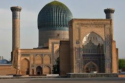 Masjid Bibi Khanym Simbol Keanggunan Arsitektur Timurid