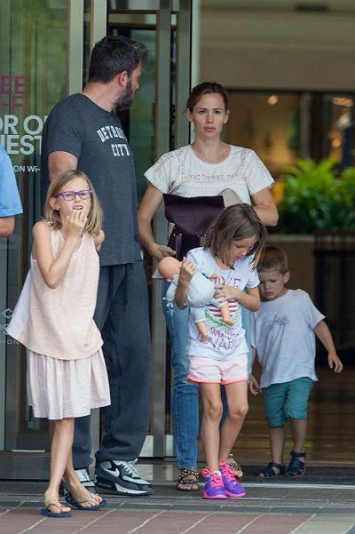 Ben Affleck and Jennifer Garner walking with children