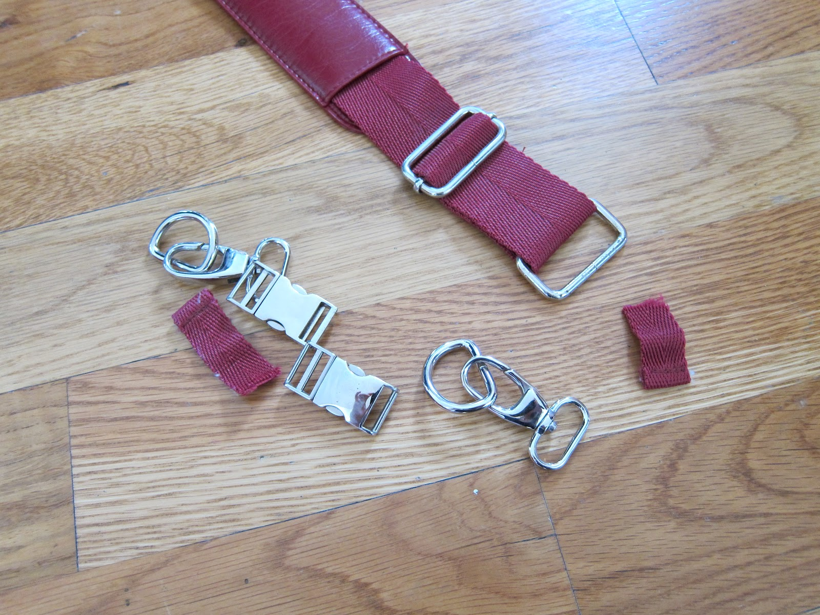 How Do You Fix A Hole In Leather Sofa And Fabric Sofas The Same Room It Yourself Divas Diy Messenger Bag For Men