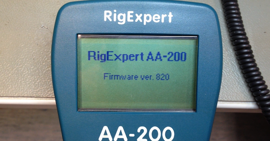 Replacing an output amplifier chip in RigExpert AA-200 antenna analyzer