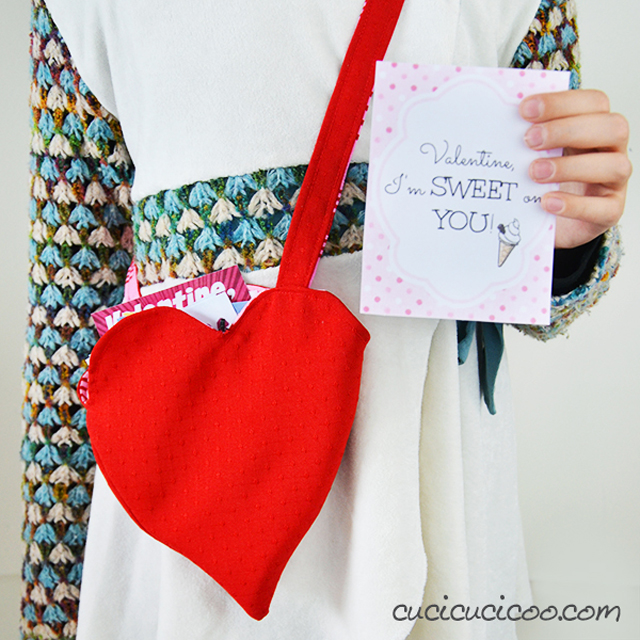 Learn how to make a sweet heart shaped bag for Valentines Day. The reversible bag is perfect for valentines, candies or small toys. Tutorial by Cucicucicoo Ecological Living