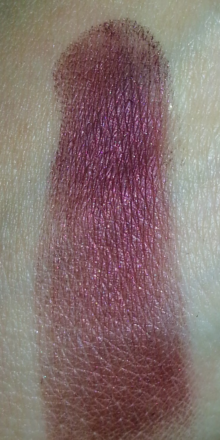 Lioele Color Eye Shadow in 15 Bordeaux Wine Swatch