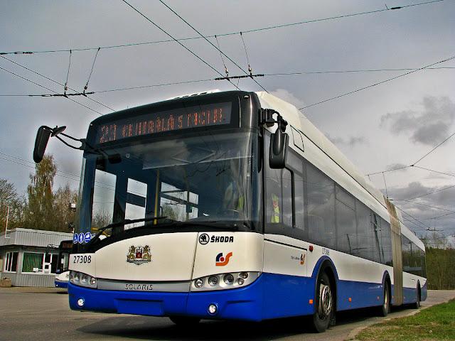 Škoda 27Tr Solaris с дизельным генератором в Риге на маршруте №23