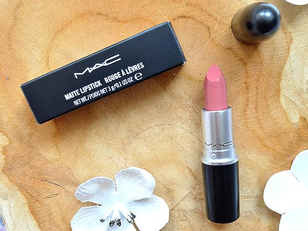 Win een MAC lipstick naar keuze! | Winactie