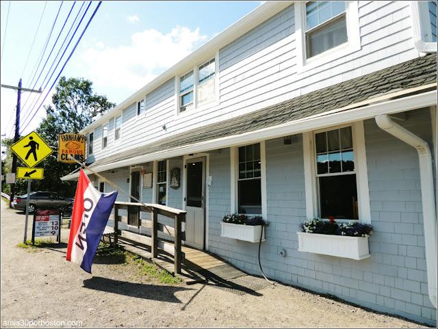 Lobster Shacks en Massachusetts: Fachada del JT Farnham's