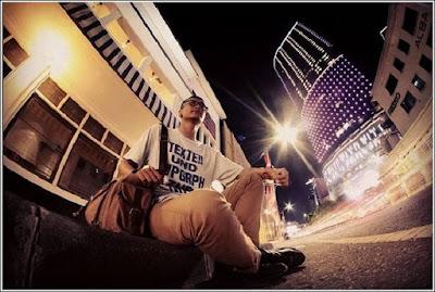 Surabaya-Untuk mendapatkan Spot Foto Di Surabaya tidak cukup hunting puter-puter kota satu hari, karena bakal banyak tempat keren yang akan kalian tuju dikota Pahlawan ini. Pasalnya banyak netizen yang memviralkan spot foto di Surabaya 2017 sekarang ini diberbagai Medsos. Bukan hanya siang hari, untuk mendapatkan spot foto di Surabaya malam hari pun, cukup kewalahan buat kalian.