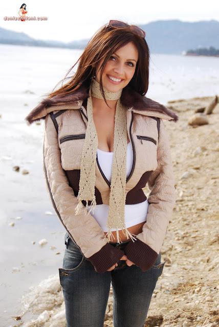 Gorgeous-Denise-Milani-Internet-Model-Big-Bear-Photoshoot-Picture-HD-19