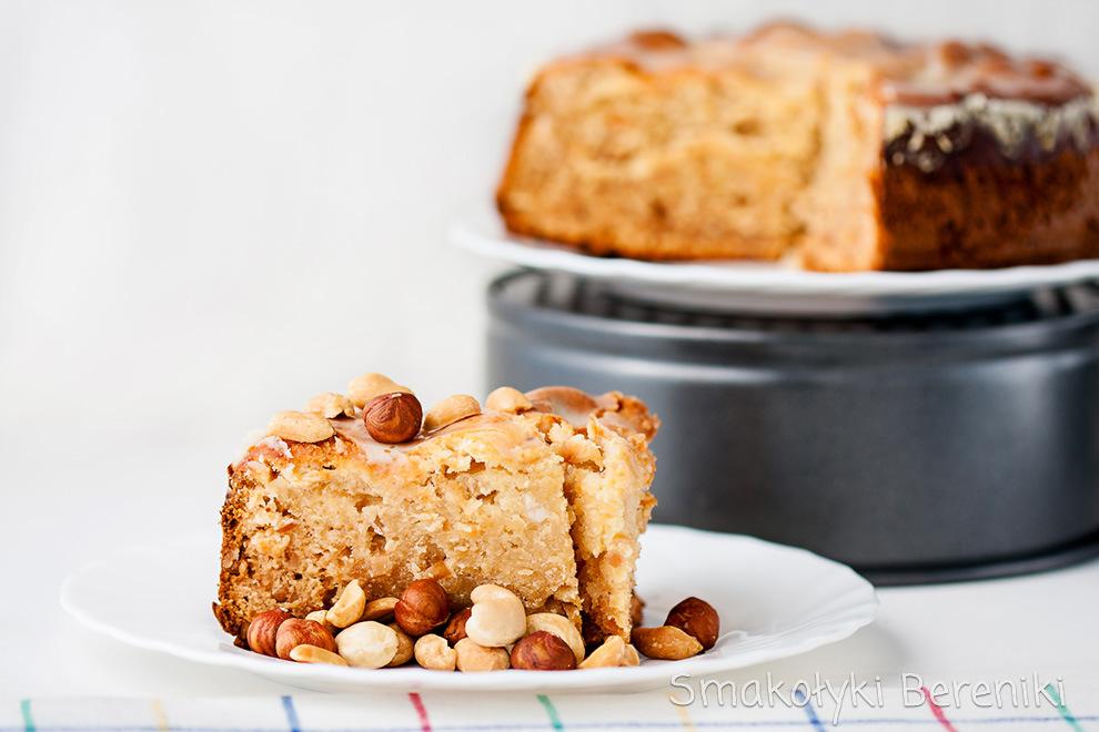ciasto miodowo-serowe z orzechami