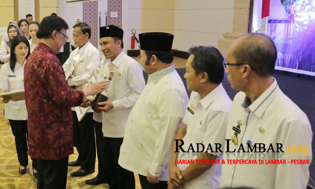Hi. Parosil Terima Penghargaan Terbaik ke-II PPD Saburai