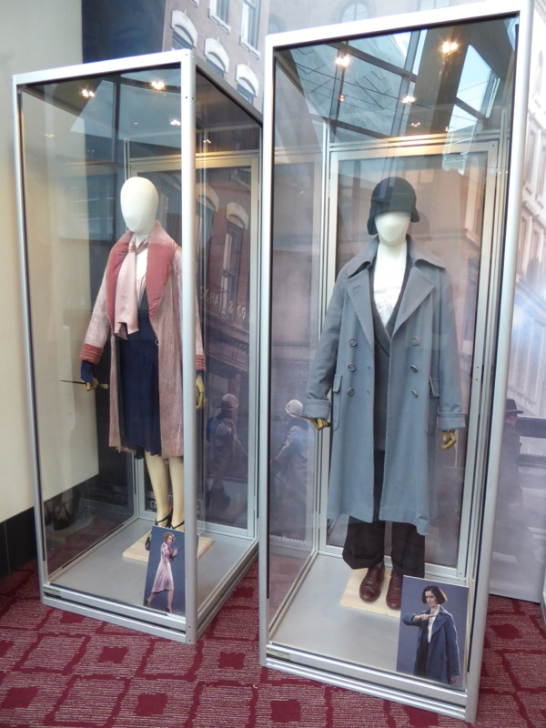 Fantastic Beasts Queenie Tina costumes