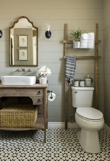 Jenna Sue Design Co. Farmhouse half bath inspiration.