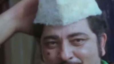 अमजद खान फिल्म के एक सीन में