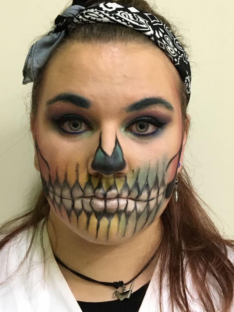Imagen Personal Ies Ramon Y Cajal Valladolid Halloween En 1o De - Maquillaje-profesional-halloween