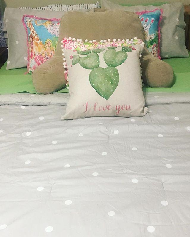Oversized Decorative Pillows For Bed Ideas Sinjhu Blog