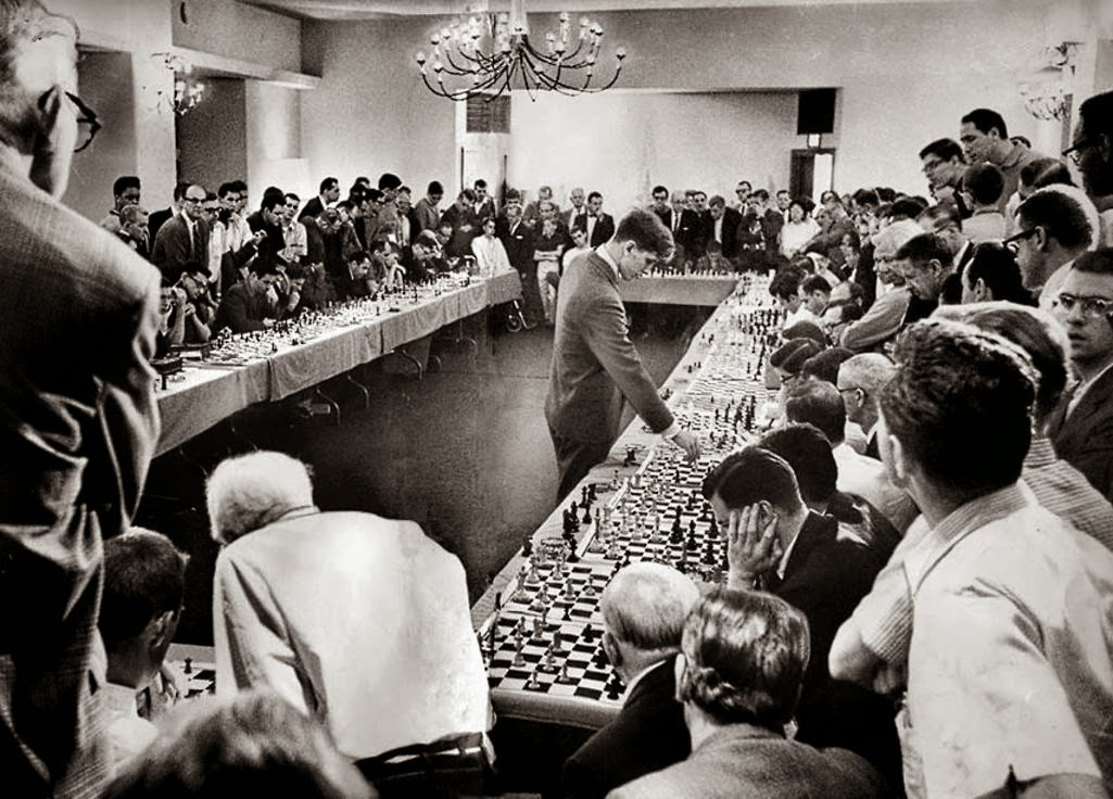 Bobby Fischer playing 50 opponents simultaneously ,1964