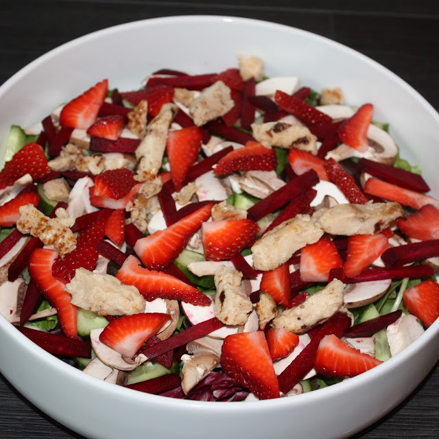 Healthy Summer Salad with Spinach, Chicken, Beets, Mushroom, Strawberries & Cucumber