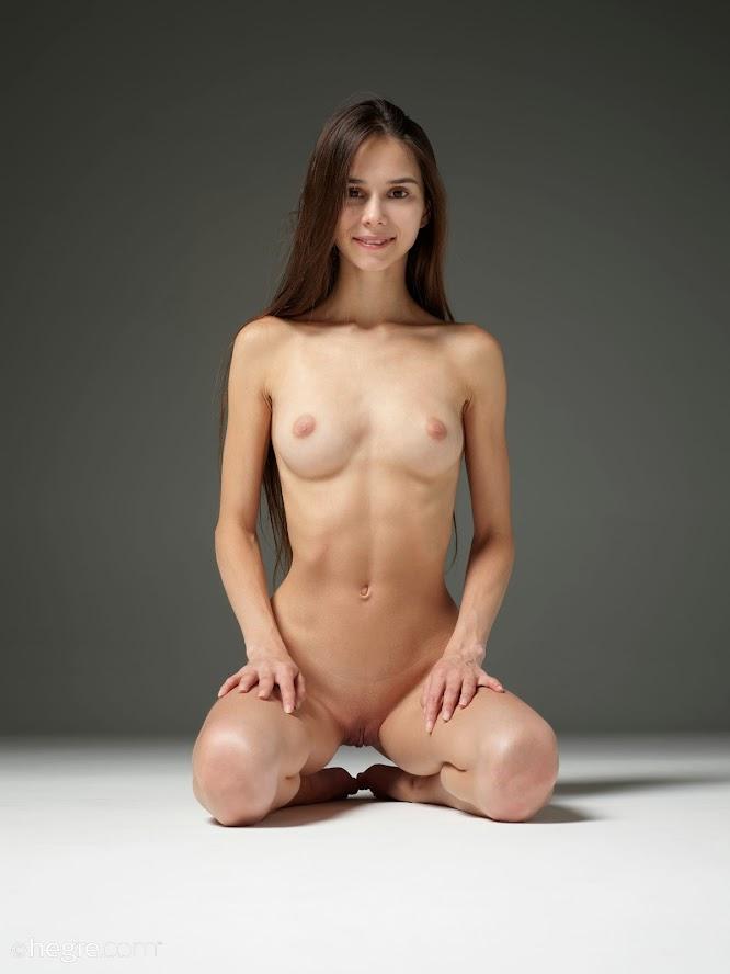 [Hegre-Art] Leona - Fine Art Erotica re - idols