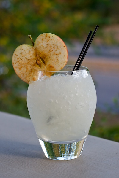 apple colada cocktail