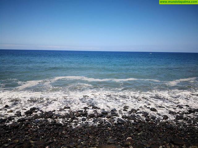 Continúan apareciendo manchas en las playas de La Palma