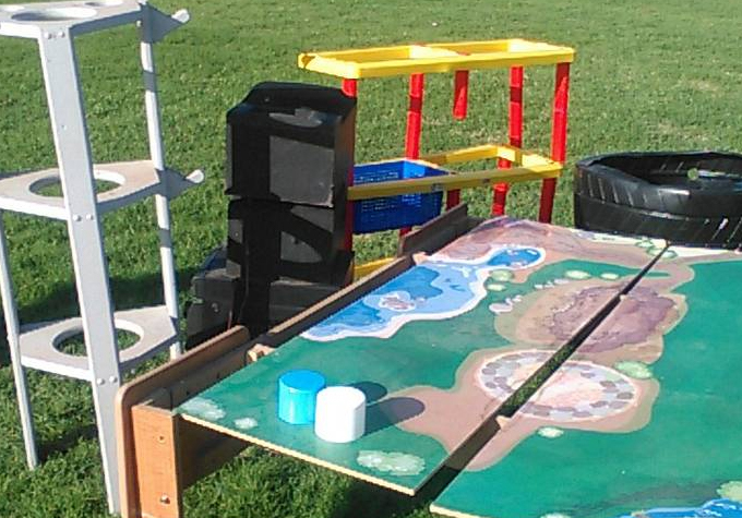 Yard toys, train table - Craigslist Curb Alert