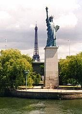 estátua da liberdade em Paris