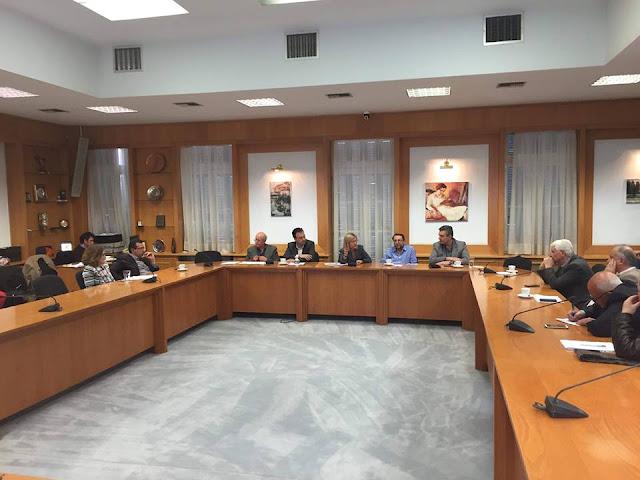 Άρτα: Στην Αθήνα Για Ιστορικό Δημαρχείο Και Κατασκευή 4 Νέων Νηπιαγωγείων Ο Δήμαρχος Αρταίων
